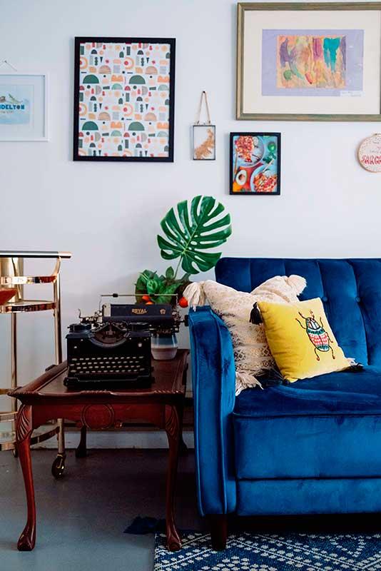 eclectic interior wall decor
