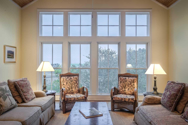 symmetrical living room furniture arrangement