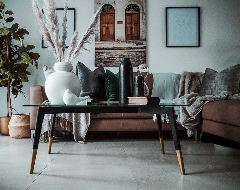 Decoration with dark furniture.