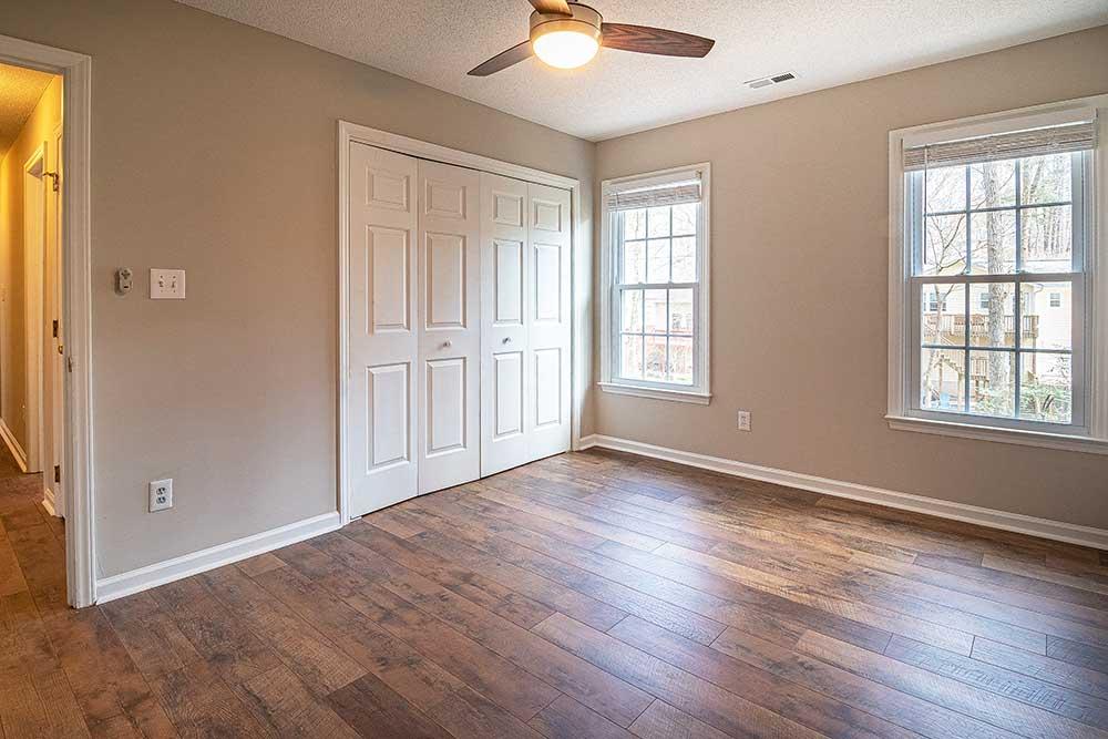The empty room with wide plan floor.