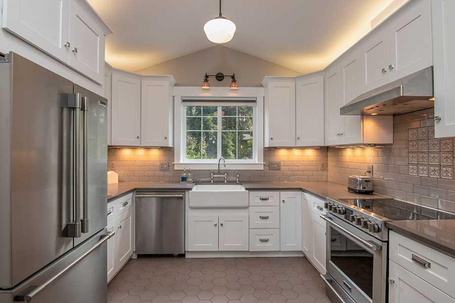 U-shaped kitchen plan.